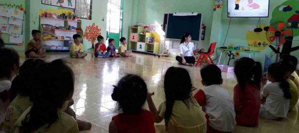 Cô Tuyền - Dạy trẻ về giáo dục lễ giáo